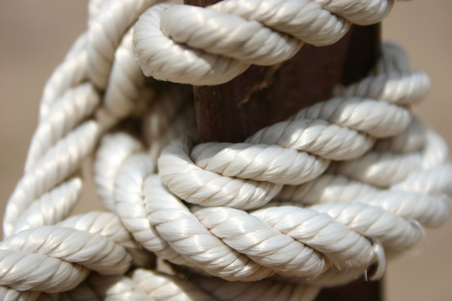 nylon rope on post