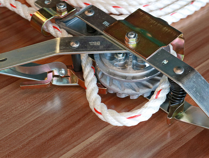 Rope Puller Close-up